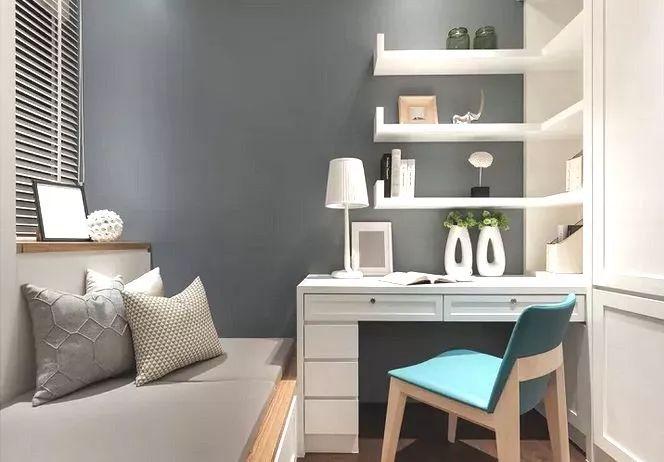 榻榻米设计在小卧室装修中很常见,也是节约空间的一种形式.图片