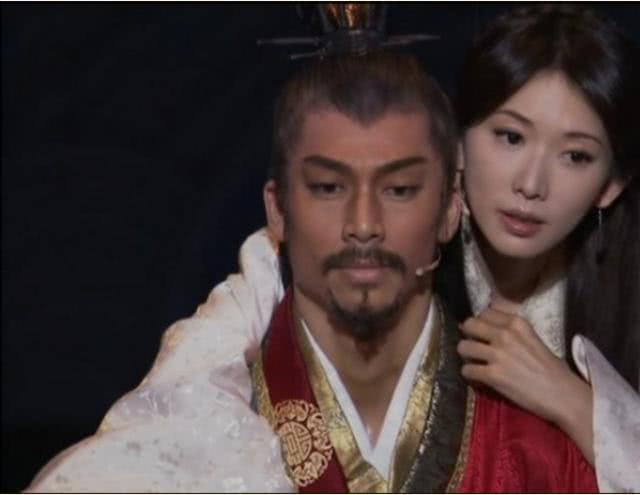 林志玲与黑泽凉平结婚,黄晓明和蔡康永却跳出来抢头功