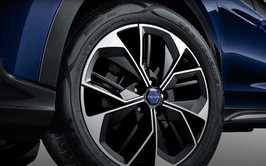 不到8万辆7座SUV的轴距为2米,车辆保修期为7年/15万公里