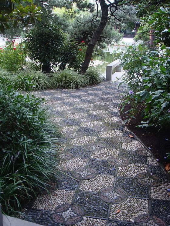 鹅卵石花园小路 铺成这样就很美