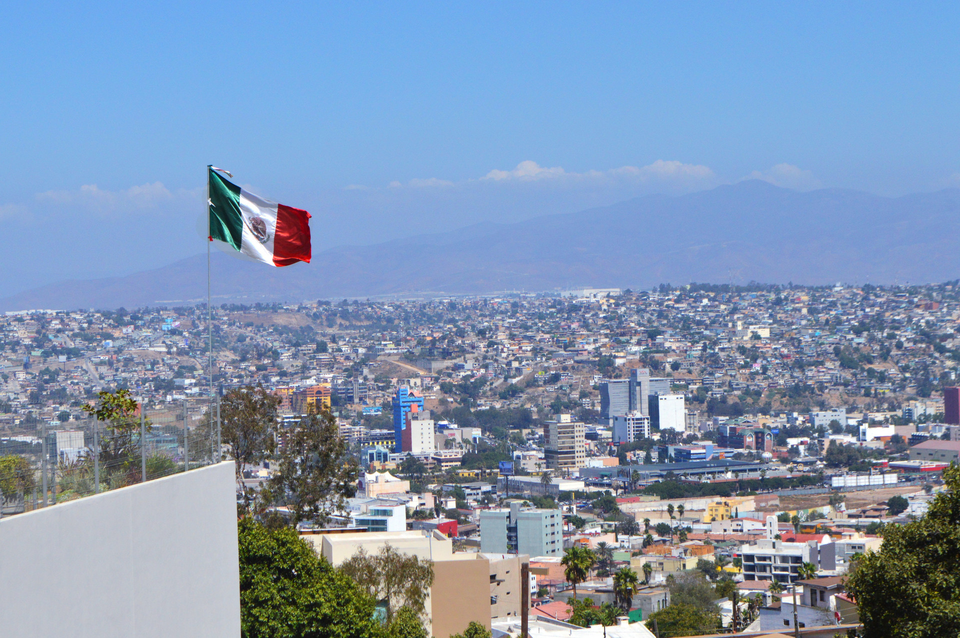 【图】                     闪电加征闪电延期,特朗普的关税武器在墨西哥身上得逞