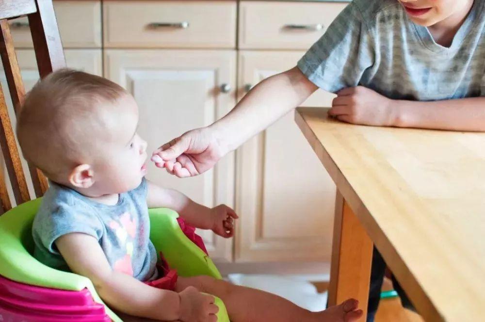 鱼肝油、鱼油、维生素AD、维生素D,到底该给宝宝补什么?