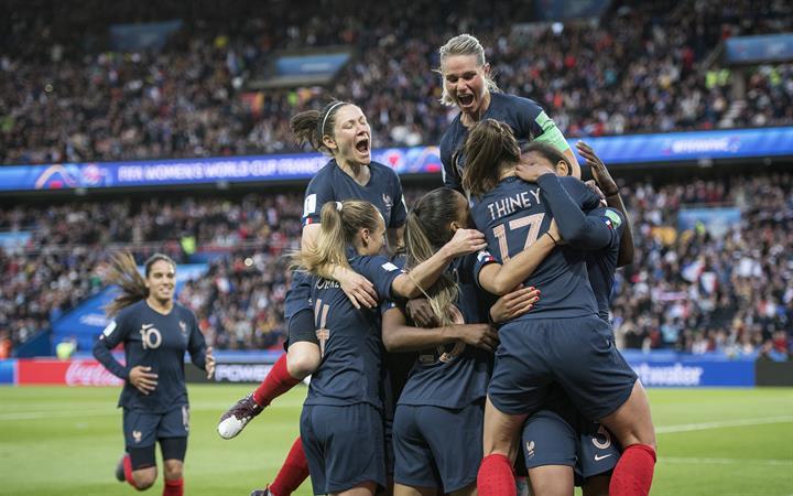 【组图】                     女足世界杯揭幕战:法国胜韩国