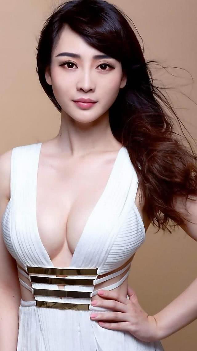 39岁柳岩晒最新美照引热议,大胆说出单身原因,网友:还是喜欢原来的你 v118.com
