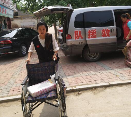 中国公益在线牛城爱心工作站组织慰问帮扶残疾贫困家庭