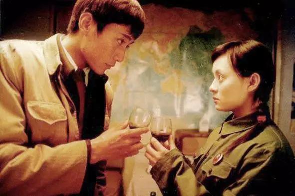 血色浪漫李奎勇_富哥哥改变世界,穷弟弟毁掉自己:惯绝望,是生活最大的