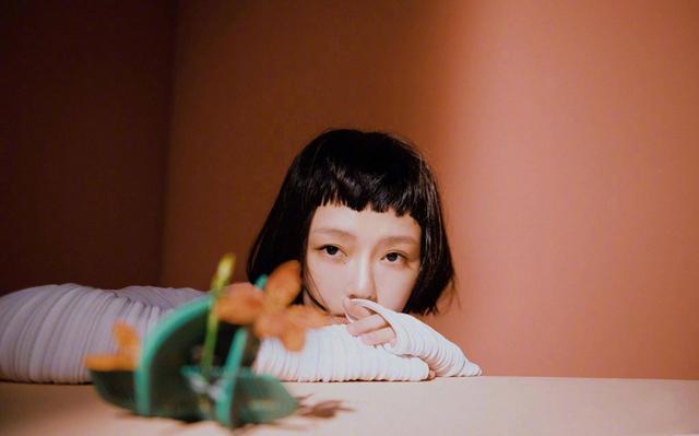化妆小心机!看欧阳娜娜和大S分别演绎同型不同款的橙色系夏季妆容(下) imeee.net