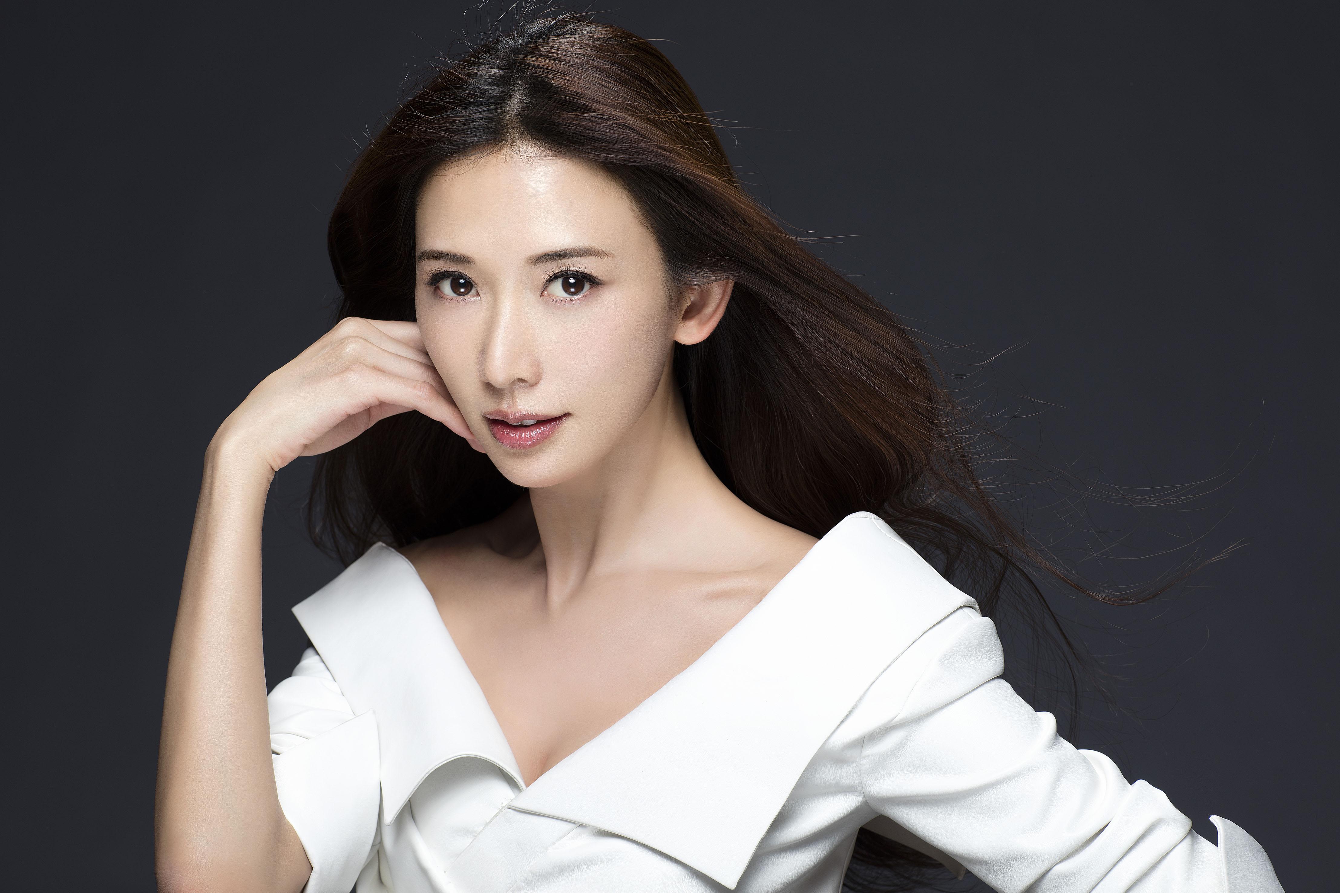 林志玲婚后将改名 黑泽志玲 某导演呼吁抵制其在中国捞金