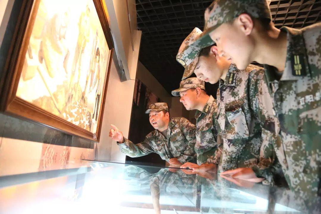 这是最真的领悟!在雷锋纪念馆里接受雷锋精神洗礼图片