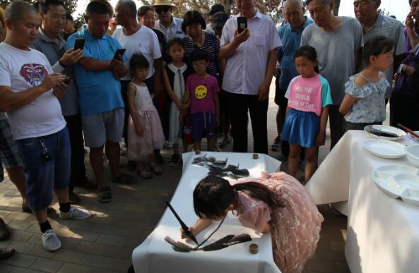 弘扬传统文化 认知端午习俗——雄县举办小书画家笔会庆端午