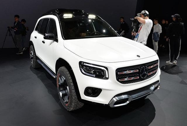 """原创                奔驰新车,或是旗下最便宜7座SUV,车头带""""排气""""?"""