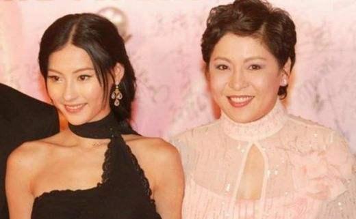 """向太陈岚被知名化妆师点名批评,声称张柏芝事件她是""""借势欺人"""" 作者: 来源:素素娱乐"""