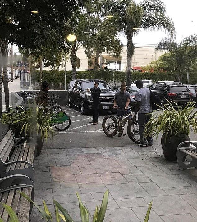 """原创 """"终结者""""再成目标,小偷欲对施瓦辛格4万元电动自行车下手"""