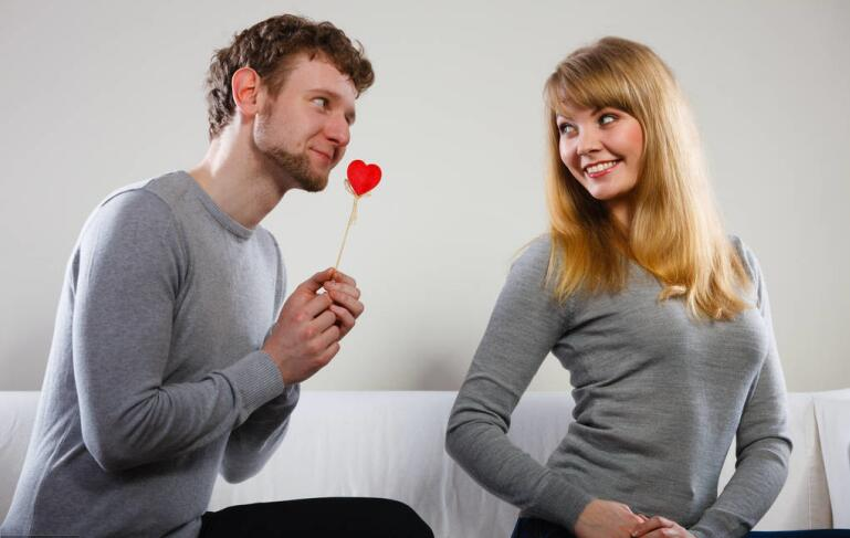 男人口自己的_男人在性爱时要注意什么 2