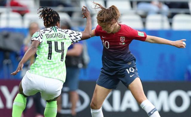 她是女足金球奖得主!球技像C罗梅西炫目!她拒绝参加女足