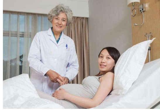 女性最晚生孩子是多少岁?最好别超过这个年龄,对孕妈胎儿都不好 v118.com