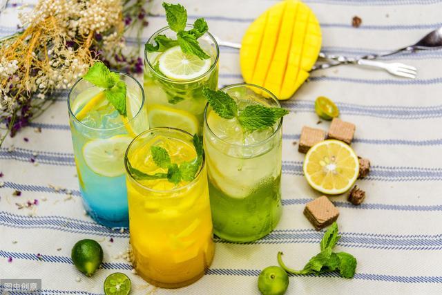 喝冷饮会导致胃肠道疾病和哮喘,那如何在夏季正确地食用冷饮呢?