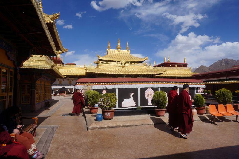 西藏是个丰富的旅游目的地 共有34个世界之最!