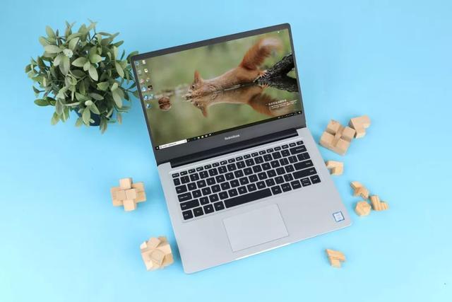 RedmiBook 14体验:搭载八代i7的价格屠夫