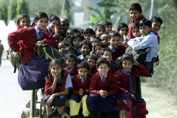 印度人口吃奶_印度人口
