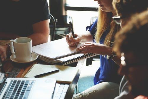 小学生英语看图说话练习 三篇优秀范文供参考
