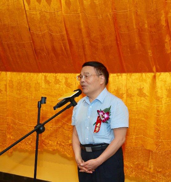 著名画家何家英先生题字题匾 热贡唐卡北京国际中心2