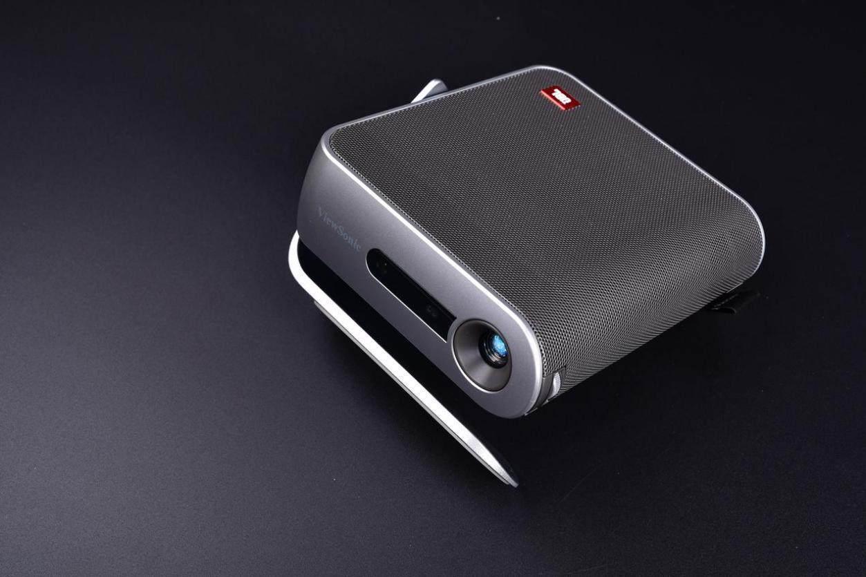 优派M1+超便携投影仪评测:小巧身材 百寸巨幕