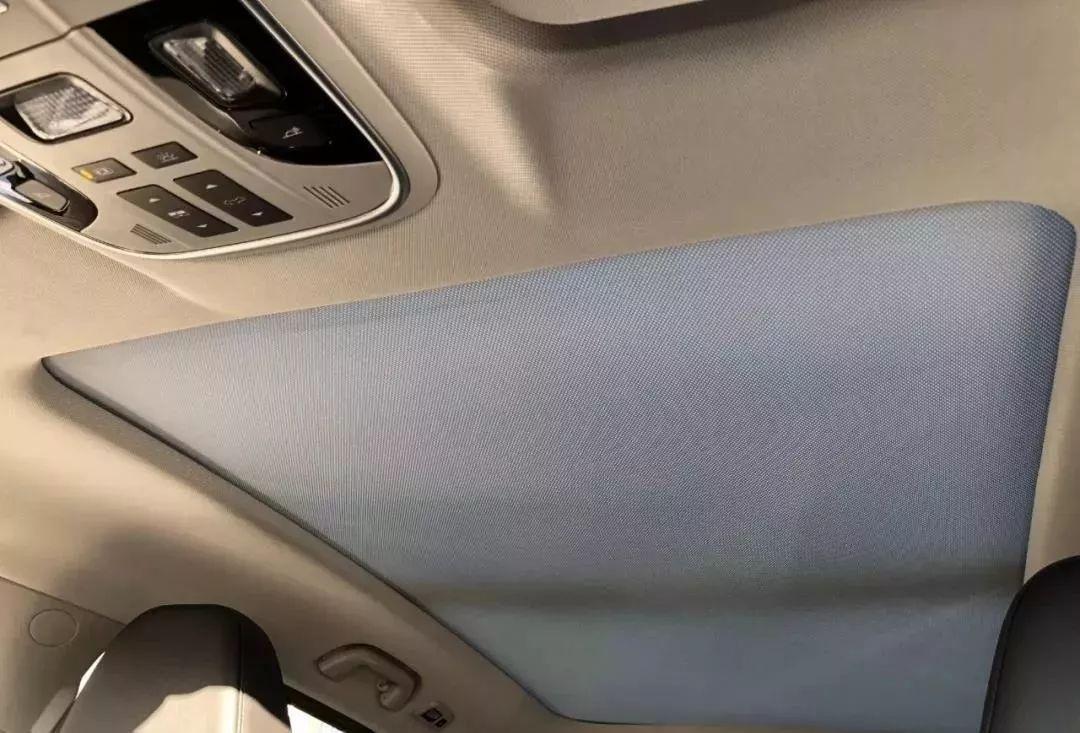 爱车课堂丨汽车内顶棚脏了,怎么洗才干净