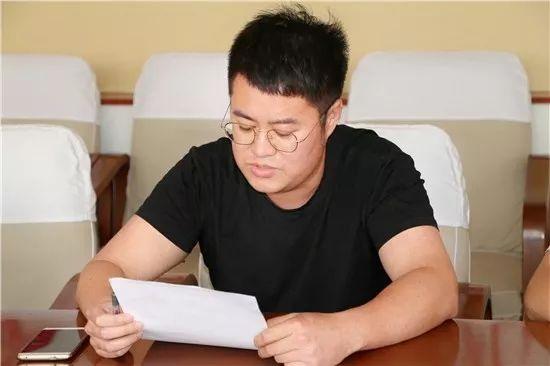 新硎悠得琅_我校召开青年教职工座谈会