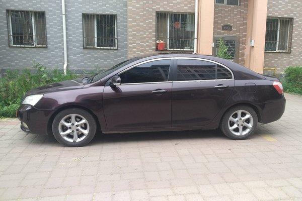 吉利经典帝豪09轿车1.8L豪华型,外观和空气处理好,相比那些合资车