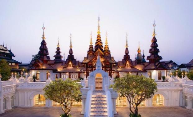 去到泰国旅游,一定要去看一下当地的人妖,感受也是颇深