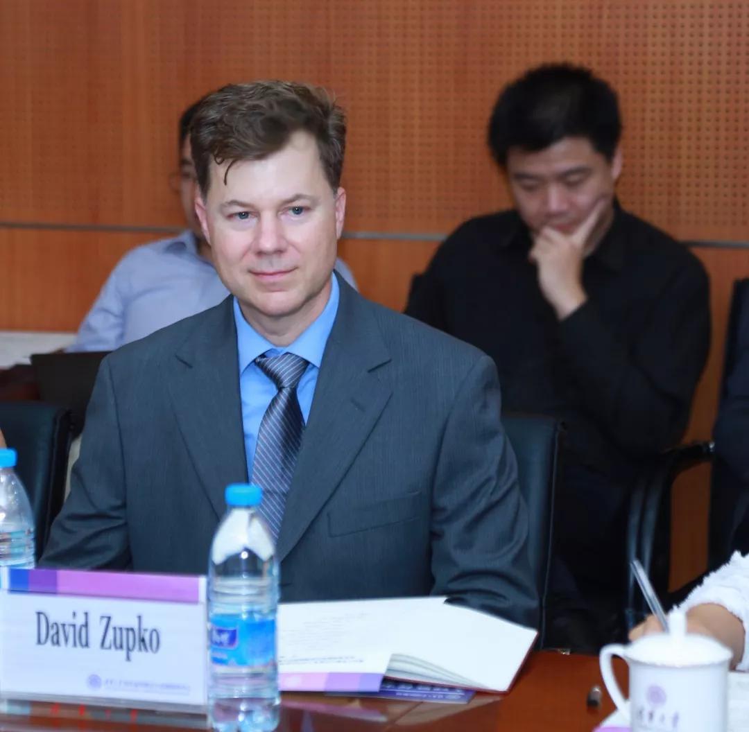 清华聘外籍副处长,是大学行政体制改革的突破