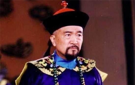 和珅被处决后,80岁的刘墉说了什么,让嘉庆放过和珅的3千党羽?