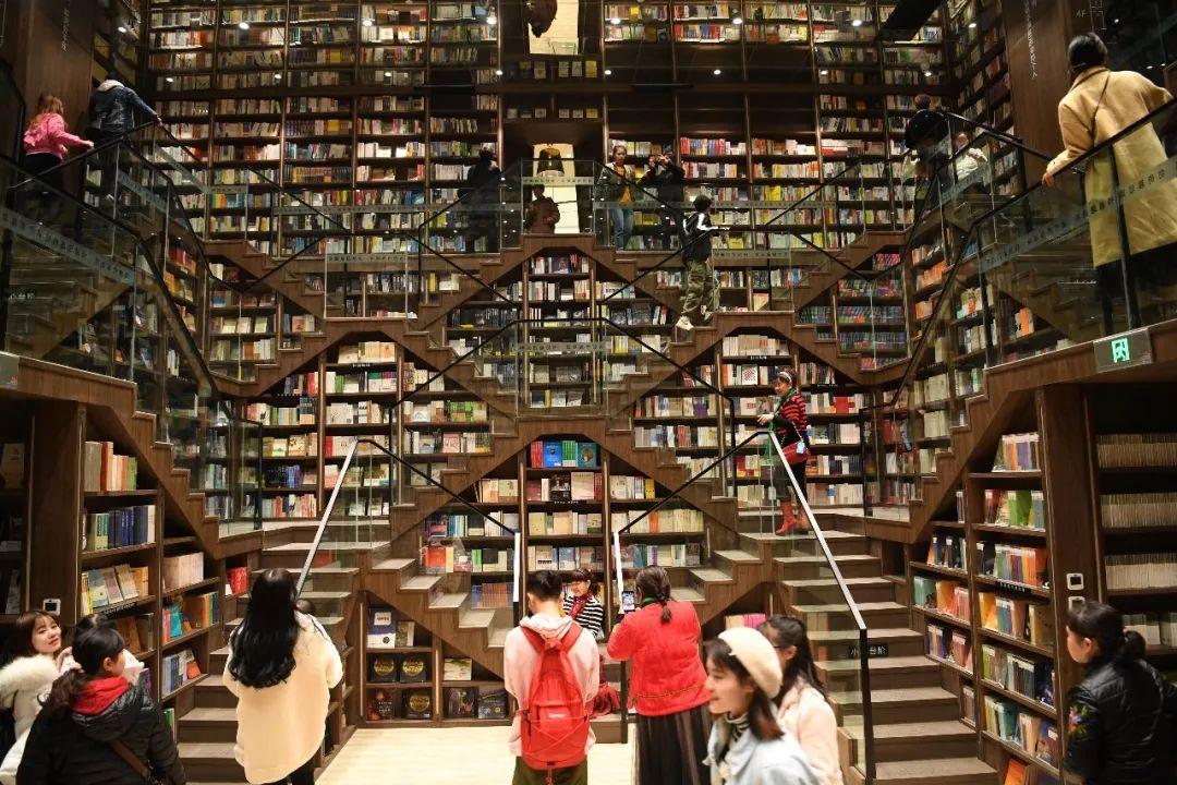 """""""被网红书店毁掉的年轻人?#20445;?#19981;存在的!"""
