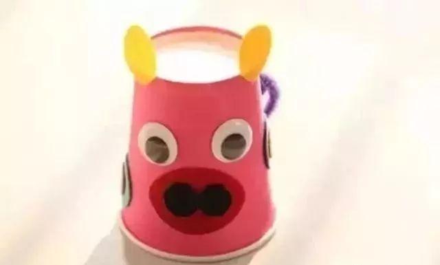 幼儿园父亲节手工制作作品19:可爱的小猪