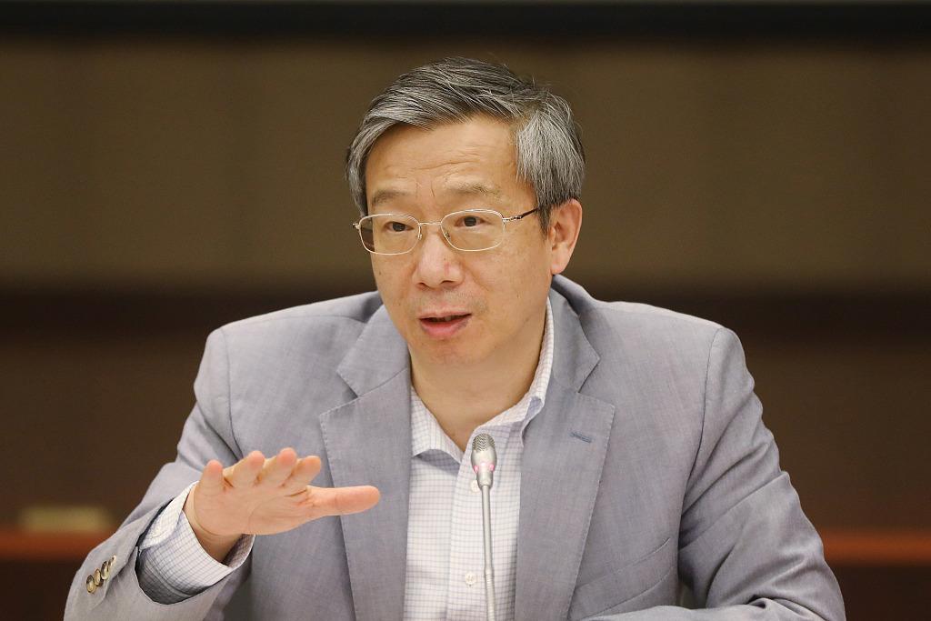 易綱:支持上海試點取消券商等外資公司持股比例上限_外資券商