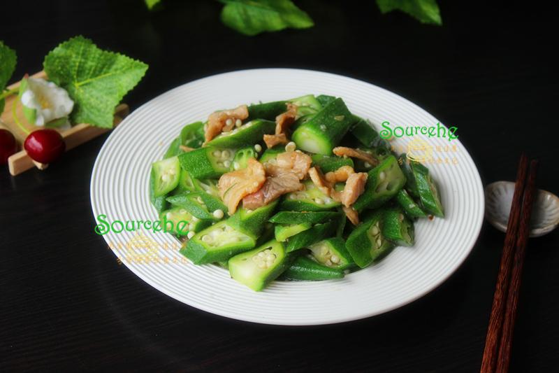 炒秋葵增加这一步,颜色翠绿,口感爽滑,鲜嫩脆口,很好吃!
