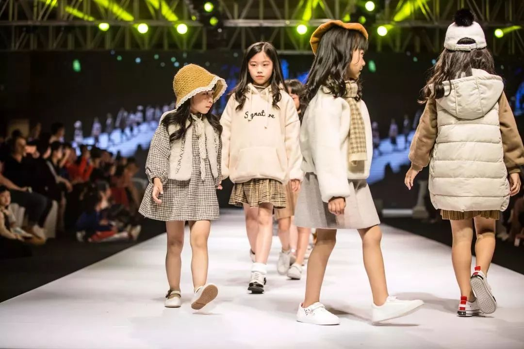 【云南模特协会】成人模特,模特教师资格考级认证培训
