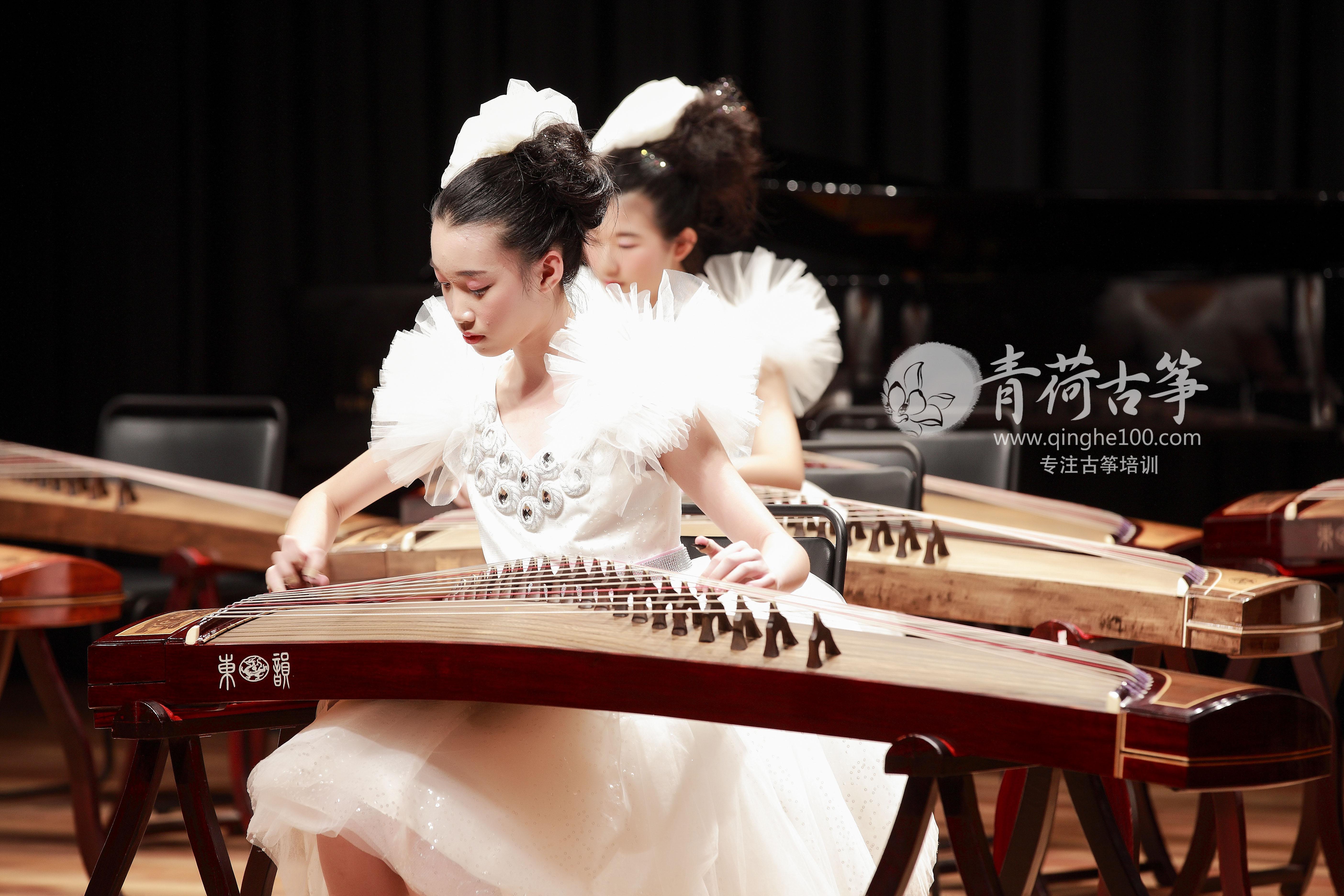 广州暑假学高中 (暑假正负培训班)火热v高中中_的古筝古筝发光二极管图片