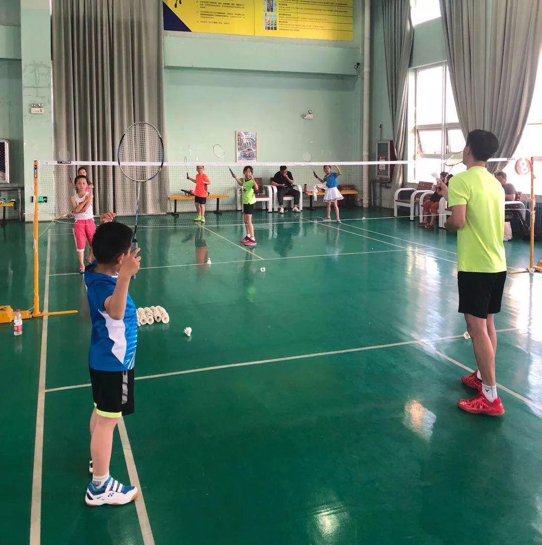 因材施教、科学训练!青少年羽毛球培训基地暑期班开始招生