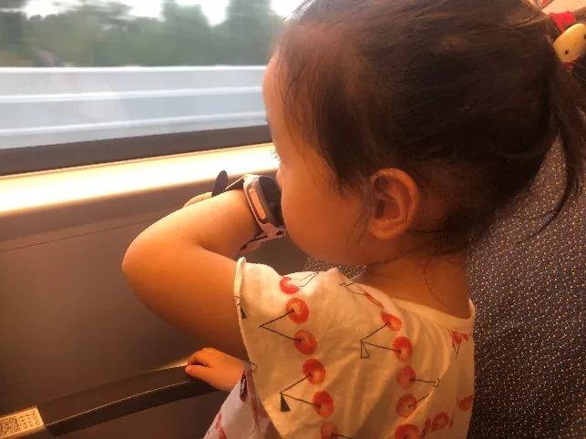 有了这款高科技的带娃神器,旅行途中so轻松!
