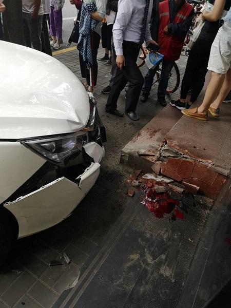 上海一網約車昨日暴力抗法、闖關逃逸致4人受傷