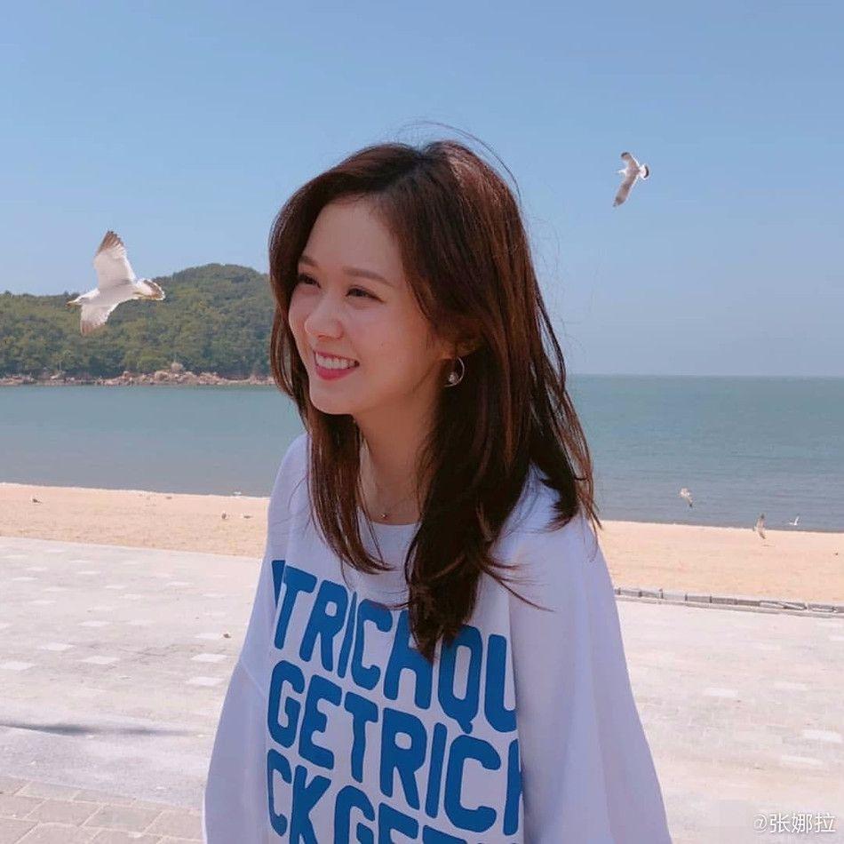 抛开一切,张娜拉确实挺甜美,38岁了还比赵丽颖清纯!