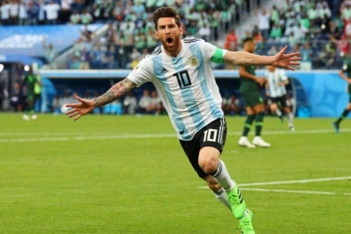 阿根廷主帅大赞梅西:他为足球而生 是天生赢家