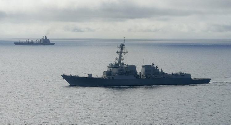油轮被伊朗导弹误射?美国派驱逐舰俄呼吁彻查,中东火药桶要爆?