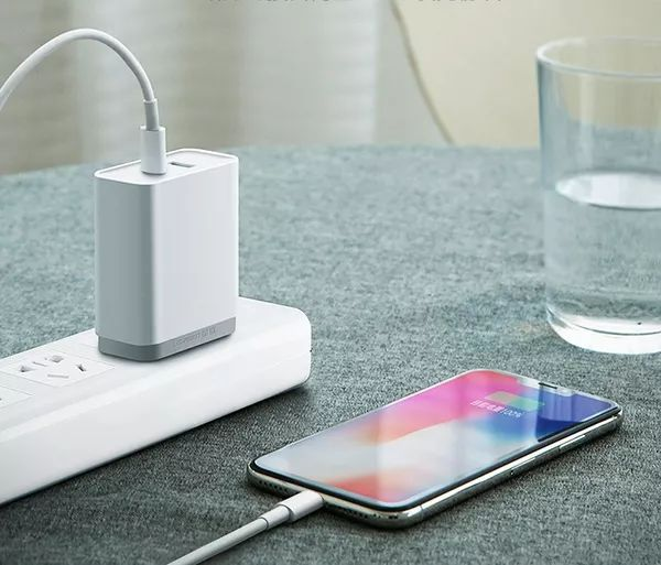 不同品牌的手机充电器究竟能不能混用?原来没想象中那么简单!