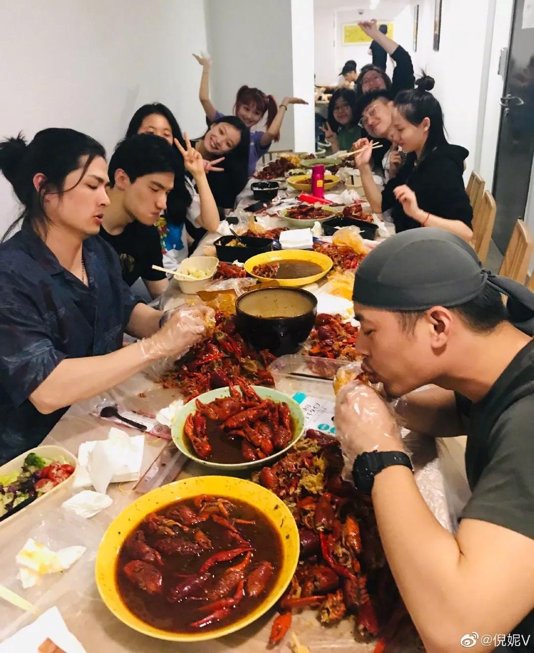 减肥能吃龙虾吗图片