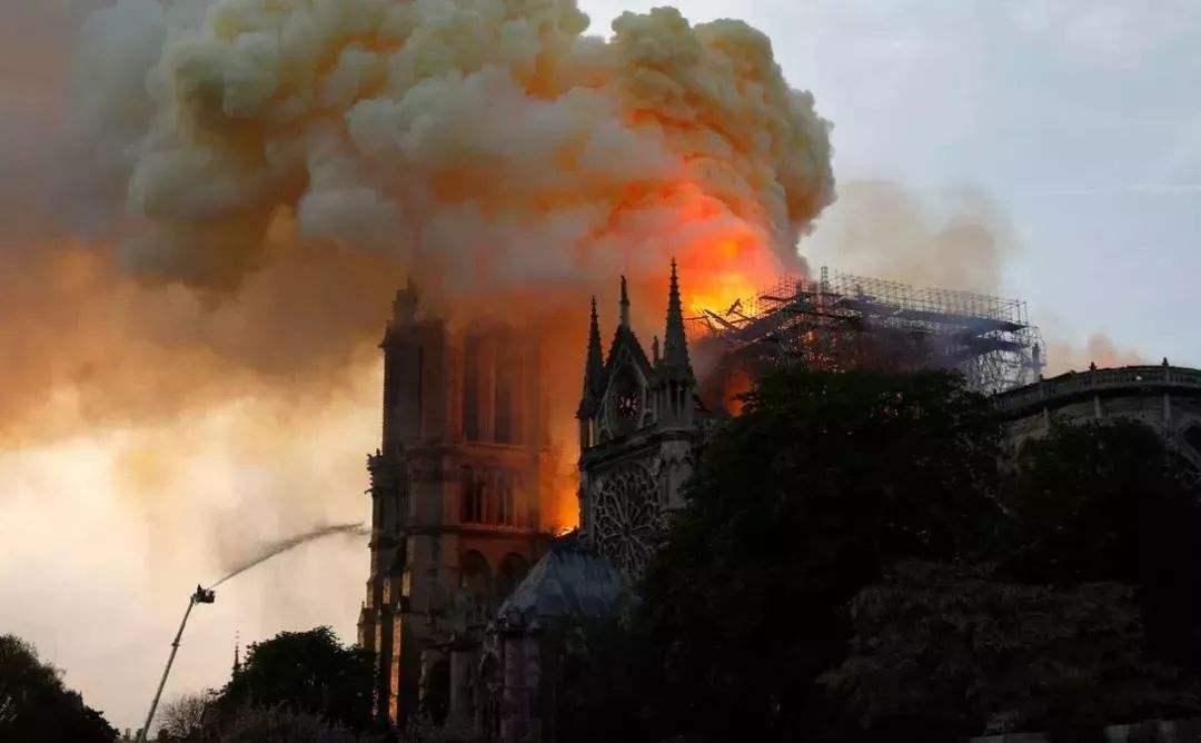 富豪為巴黎圣母院承捐10億美元一分未到,現捐款美國人占90%:巴黎圣母院捐