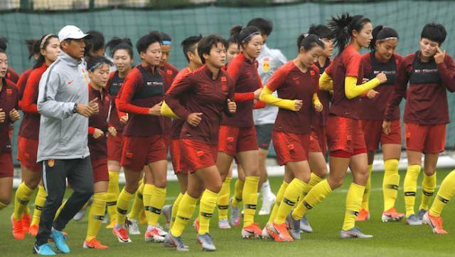 中国女足做好战斗准备!折腾200公里遭遇1大考验 1大利好