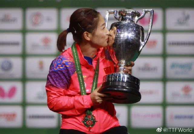 刘诗雯轰11-1冲冠,4强战约战日本平野美宇,3连胜霸气晋级_比赛